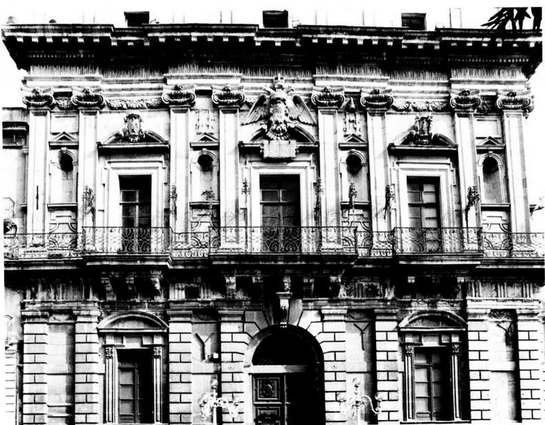 Palazzo wemexio palazzi di pregio for Palazzo in stile spagnolo