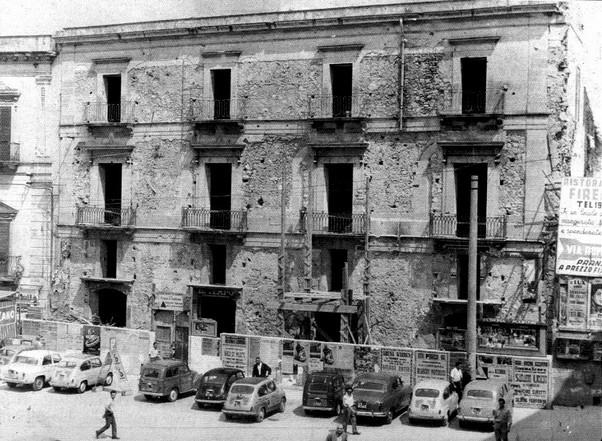 Palazzo zumbo palazzi di pregio for Finestra rinascimentale disegno